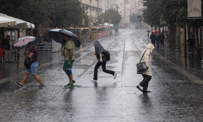 """ירידה בטמפרטורות; הגשם שוב פה: תחזית מזג האוויר לסופ""""ש"""