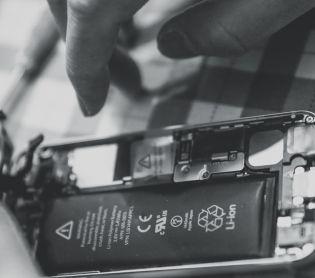 חדשות טכנולוגיה, טכנולוגי מפתחי הסוללות הנטענות לסמארטפון זכו בפרס נובל