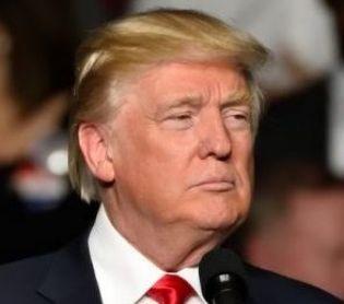 """חדשות בעולם, מבזקים יועציו של טראמפ מבהירים: """"הבחירות יתקיימו כמתוכנן"""""""