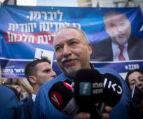 חדשות, חדשות פוליטי מדיני, מבזקים ליברמן מצהיר שיכפה ממשלה ליברלית רחבה