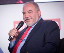 חדשות טלוויזיה, טלוויזיה ורדיו אביגדור ליברמן שוב הפר צו של הצנזורה