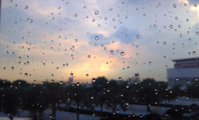 מזג אוויר משוגע: חום, גשם ורעמים: תחזית מזג אוויר