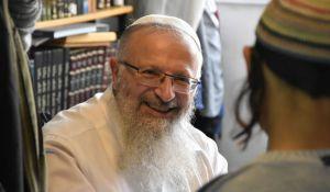 """חדשות המגזר, חדשות קורה עכשיו במגזר, מבזקים ברב אליהו או בביהמ""""ש? במי הרבנים באמת תמכו"""
